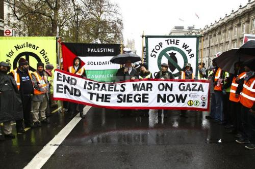 1353779837-thousands-march-to-israeli-embassy-in-solidarity-with-gaza--london 1628203