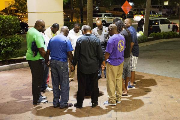 Charleston, prayer for the victims
