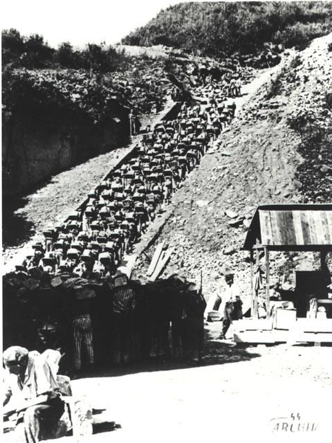 پلکان مرگ، اردوگاه مائوتهائوزن
