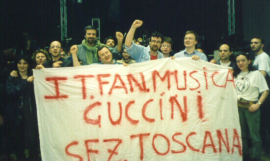Firenze, 14 aprile 2000, Palasport. Il Newsgroup it.fan.musica.guccini al concerto.