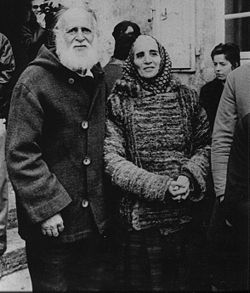 Lanza del Vasto and his wife Chanterelle during his hunger strike.
