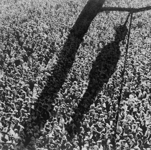 The Shadow Of Lynching, montaggio fotografico di Everett.