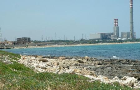 Il polo petrolchimico e la distruzione di Marina di Melilli.