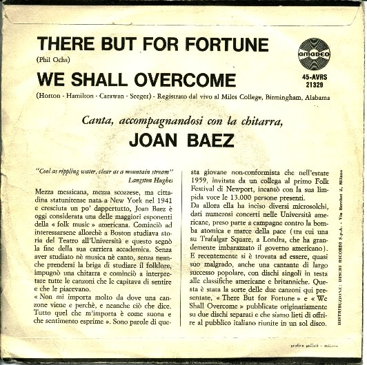 La copertina del primo 45 giri italiano contenente There But For Fortune e We Shall Overcome interpretate da Joan Baez.
