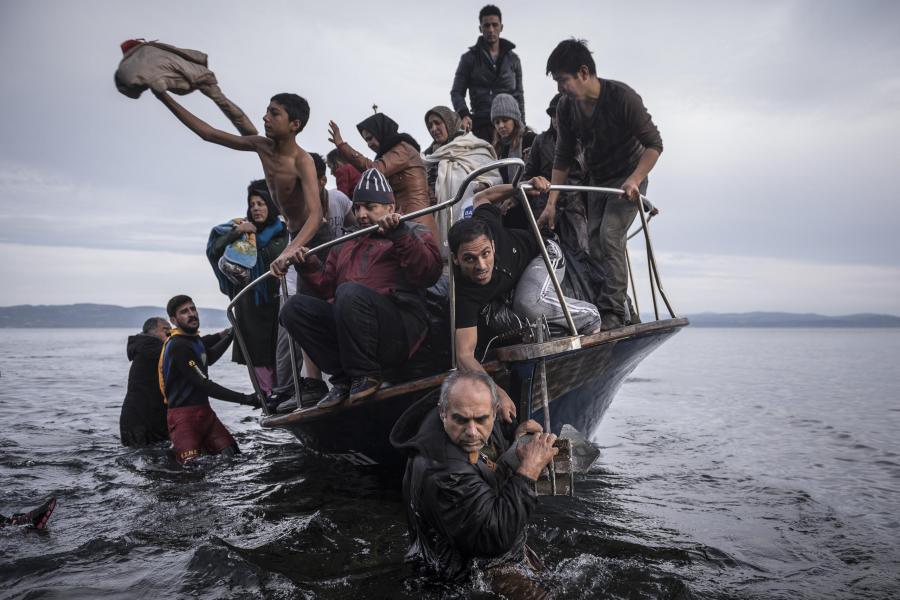 Le Radeau de la Méduse foto di Sergey Ponomarev. World Press Photo 2016