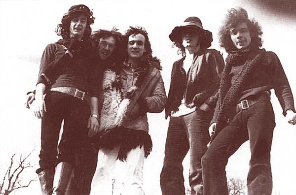 I Van Der Graaf Generator nel 1970. Da sinistra: Peter Hammill, David Jackson, Nic Potter, Guy Evans e Hugh Banton.